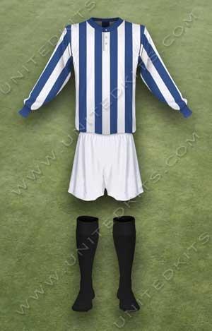 Trang phục thi đấu Manchester United mùa giải 1912 1913
