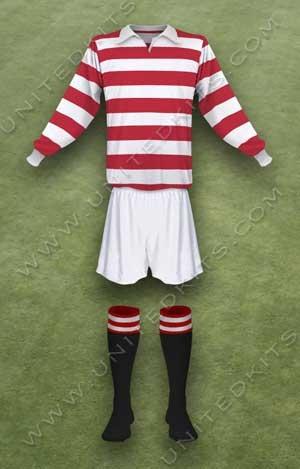Trang phục thi đấu Manchester United mùa giải 1940 1941
