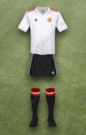 Trang phục thi đấu Manchester United mùa giải 1980 1981