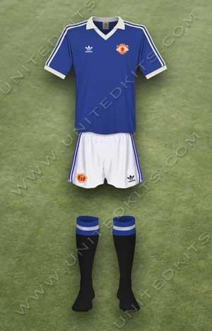 Trang phục thi đấu Manchester United mùa giải 1981 1982