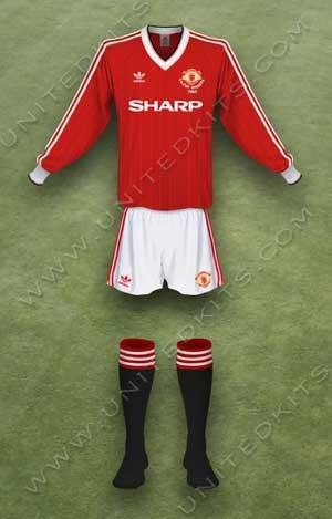 Trang phục thi đấu Manchester United mùa giải 1983 1984