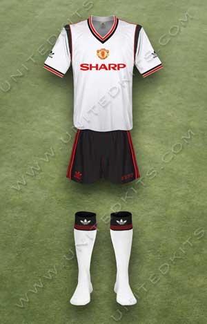 Trang phục thi đấu Manchester United mùa giải 1985 1986