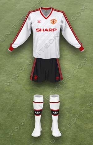 Trang phục thi đấu Manchester United mùa giải 1987 1988