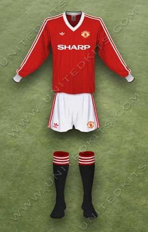 Trang phục thi đấu Manchester United mùa giải 1983 1984 sân nhà