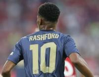 Rashford được trao áo số 10